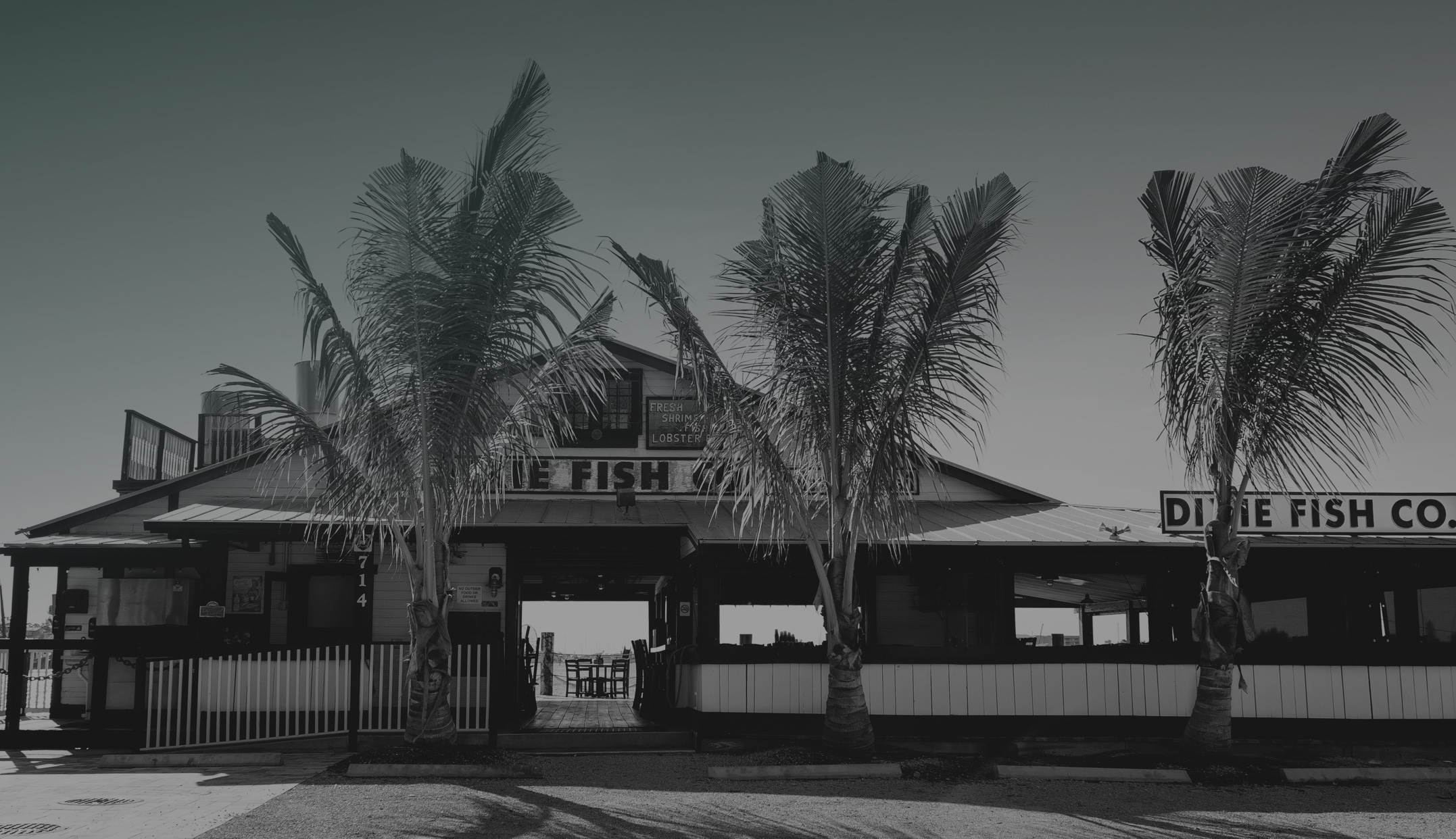 The dixie fish co ft myers beach waterfront restaurant for Dixie fish company